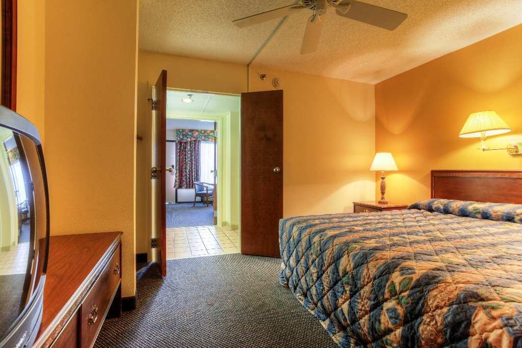 two bedroom suites mountain vista inn suites pigeon forge tn